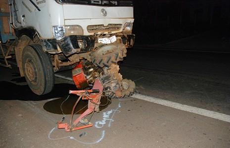 Khẩn trương cấp cứu nạn nhân vụ tai nạn thảm khốc ở Gia Lai - ảnh 1