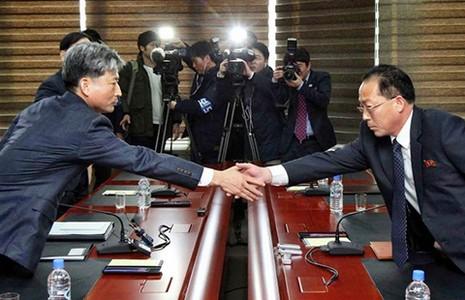 Hai miền Triều Tiên hội đàm giảm căng thẳng - ảnh 1