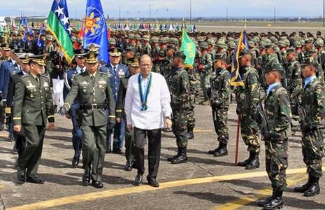 Tổng thống Philippines cam kết xây dựng quân đội hùng mạnh - ảnh 1