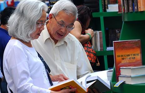 Người Sài Gòn và tình yêu sách - ảnh 1