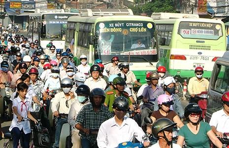 Chi 11 tỉ USD, Sài Gòn sẽ kẹt… xe buýt - ảnh 1