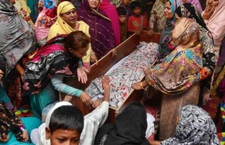 Đánh bom kinh hoàng ở Pakistan, 72 người chết  - ảnh 1