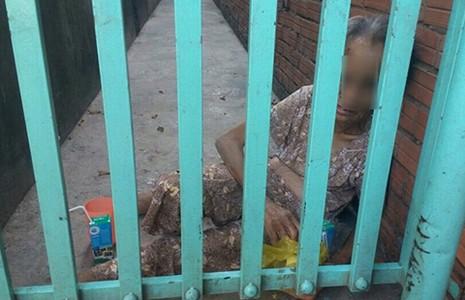 Con gái đánh mẹ già 70 tuổi vì 'mẹ ngu' - ảnh 1