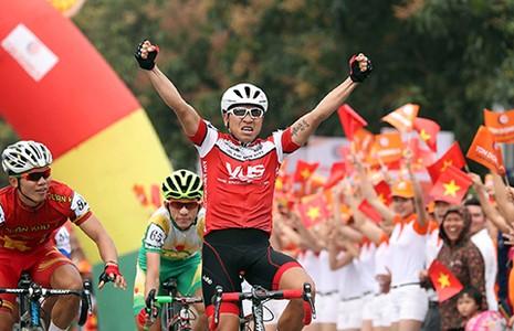 Giải xe đạp Cúp TH TP.HCM - Tôn Đông Á 2016: So tài trên đỉnh đèo Ngang - ảnh 1