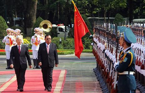 Việt Nam, Lào cùng quan ngại về tình hình biển Đông - ảnh 1
