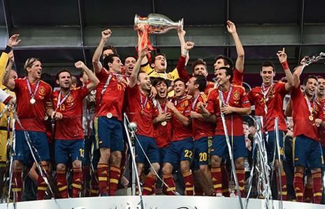 VCK Euro 2016: Đương kim vô địch không hoàn hảo - ảnh 1
