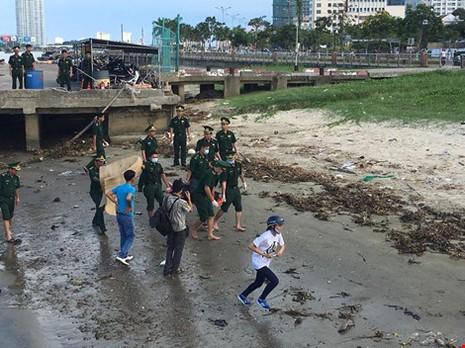 Tìm được ba nạn nhân vụ chìm tàu trên sông Hàn - ảnh 1