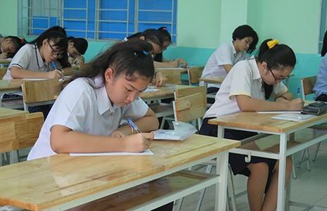 Thí sinh thích thú với đề thi lớp 10 - ảnh 1
