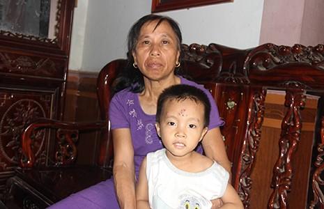 Con trai tìm mẹ sau 22 năm bị bán sang Trung Quốc  - ảnh 1