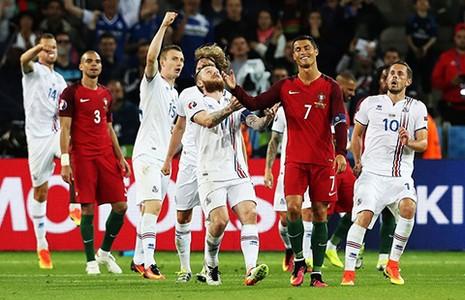 Bảng F: Bồ Đào Nha – Áo: Chờ 'đứa trẻ' Ronaldo kịp lớn - ảnh 1