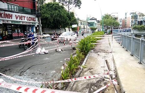 Chậm khắc phục lún, sụp dọc kênh Nhiêu Lộc - Thị Nghè - ảnh 1