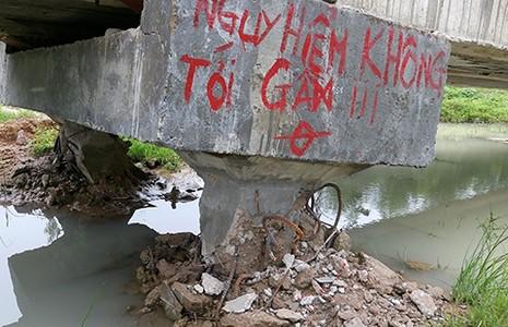 'Mưa lớn xô ngã kênh dẫn nước trăm tỉ' (?!) - ảnh 1