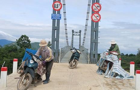 Cầu xây xong, đường đi chẳng thấy - ảnh 2