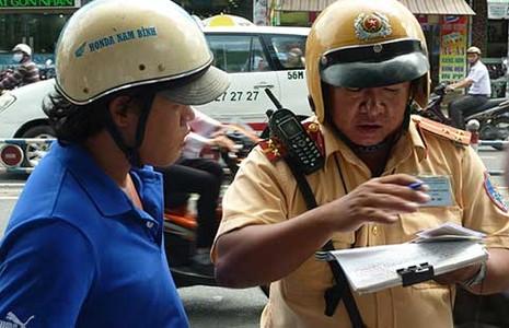Phạt nặng lỗi dẫn đến tai nạn giao thông - ảnh 1