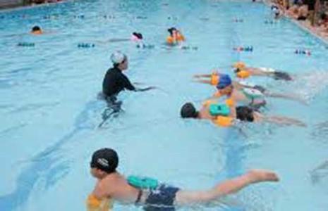 Gò Vấp: Học sinh lớp 3 được học bơi miễn phí - ảnh 1
