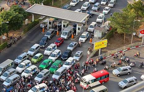 Sân bay Tân Sơn Nhất tắc, sếp VNA phải bay vòng vòng trên trời - ảnh 1