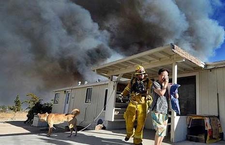 Bang California đối phó với nhiều đám cháy rừng - ảnh 1