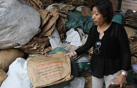 Chất thải ở Đà Nẵng có chữ Formosa - ảnh 1