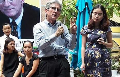 Giáo sư ĐH Stanford giao lưu ở đường sách Sài Gòn  - ảnh 1