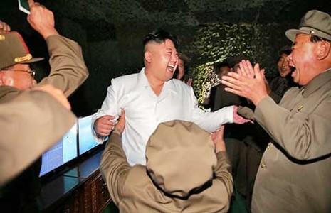 Triều Tiên khoe vụ thử tên lửa thành công - ảnh 1