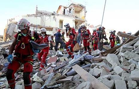 Vì sao động đất gây thiệt hại nặng nề ở Ý? - ảnh 1