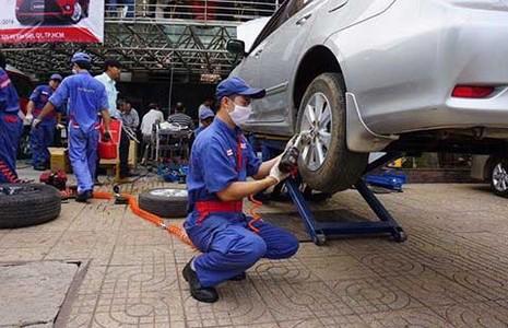 Ngành ô tô Việt đã sản xuất được gương, kính... - ảnh 1