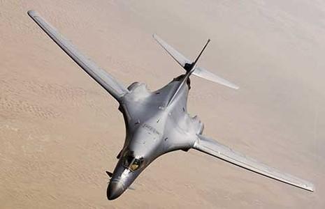 Mỹ đem máy bay ném bom chiến lược dọa Triều Tiên - ảnh 1