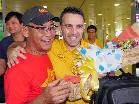Futsal Việt Nam trở về trong vòng tay người hâm mộ - ảnh 1