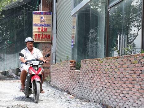 54 doanh nghiệp đóng cửa vì nâng 3,5 km đường - ảnh 1
