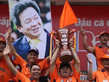 Bóng đá Việt Nam: 'Thẩm mỹ viện' V-League  - ảnh 2