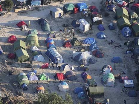 Pháp giải tỏa khu dân di cư Calais như thế nào? - ảnh 1