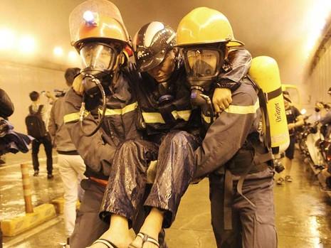 Cứu hỏa kể chuyện rạch lửa cứu bé 3 tuổi  - ảnh 2