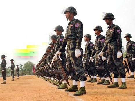 4 nhóm sắc tộc đồng loạt tấn công quân đội Myanmar - ảnh 1