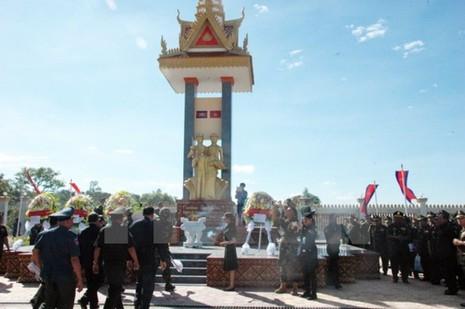 Kỷ niệm 38 năm chiến thắng bảo vệ biên giới Tây Nam - ảnh 1