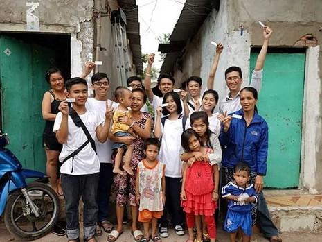 Đem 'Ánh sáng hạnh phúc' đến xóm nghèo - ảnh 3