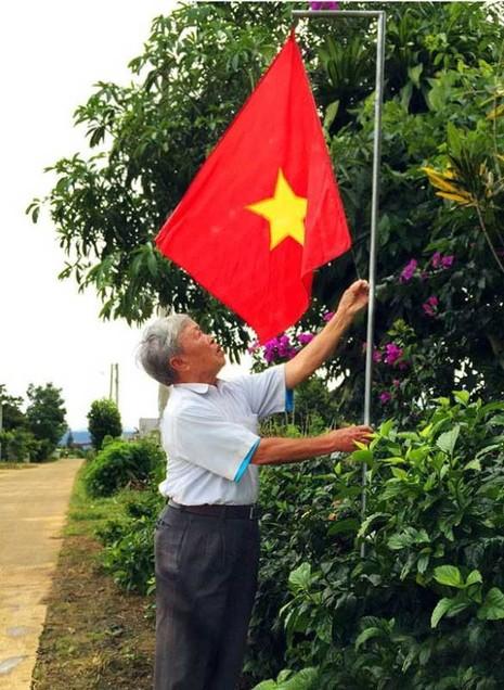 Cách treo cờ Tổ quốc đúng chuẩn có thể bạn chưa biết - ảnh 1