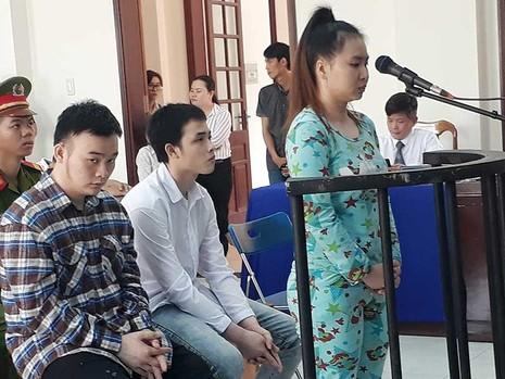 3 người tạt acid nữ sinh quanh co đổ tội cho nhau - ảnh 1
