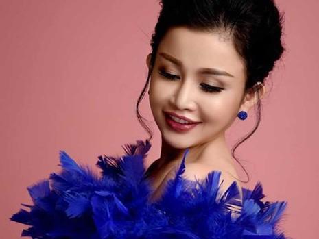 Hoa hậu Janny Thủy Trần sáng tác nhạc và ra album - ảnh 1