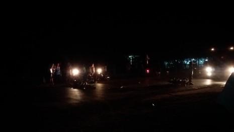 Người dân hốt hoảng sau cú tông mãnh liệt của hai chiếc xe máy - ảnh 5