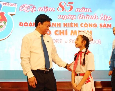 Điều gửi gắm của Bí thư Đinh La Thăng đối với thanh niên - ảnh 1