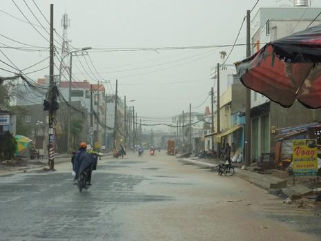 Nhiều tuyến đường nhếch nhác sau cơn mưa lớn - ảnh 3