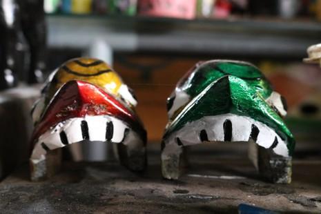 Nghệ nhân với những con rối nước hiếm hoi ở Sài Gòn - ảnh 11
