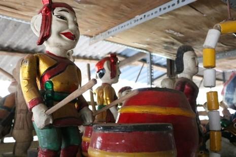 Nghệ nhân với những con rối nước hiếm hoi ở Sài Gòn - ảnh 15