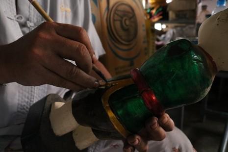 Nghệ nhân với những con rối nước hiếm hoi ở Sài Gòn - ảnh 20