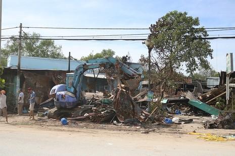 Sau vụ cháy đầu năm, người dân lao đao  - ảnh 1