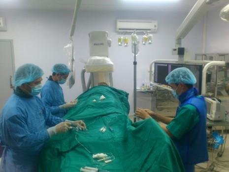 Bệnh viện Bãi Cháy có thể can thiệp tim mạch - ảnh 1