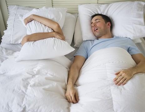 Cách khắc phục chứng ngủ ngáy - ảnh 1