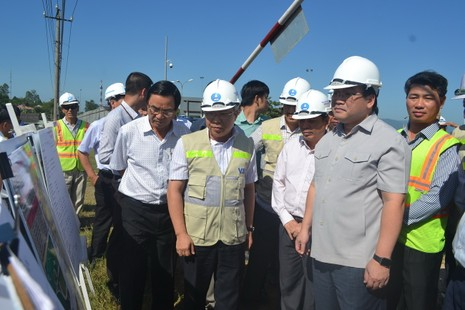 Dự án cao tốc Đà Nẵng-Quảng Ngãi vẫn đang 'kẹt' mặt bằng  - ảnh 1