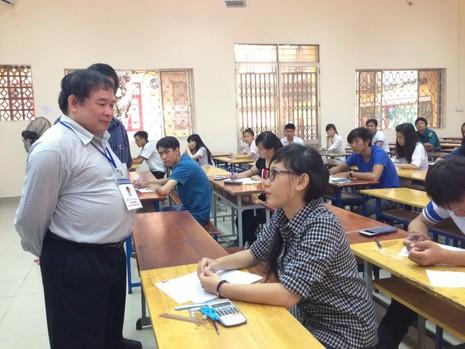 Thứ trưởng Bùi Văn Ga: Sẽ hỗ trợ hết mức để thí sinh yên tâm thi tốt! - ảnh 1