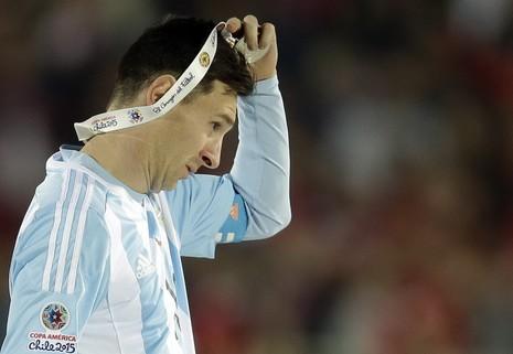 Messi được đưa lên 'cân' với Maradona - ảnh 1